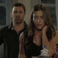 """Novela """"Malhação"""": Nat (Maria Joana) recupera memória após beijar Duca (Arthur Aguiar)"""