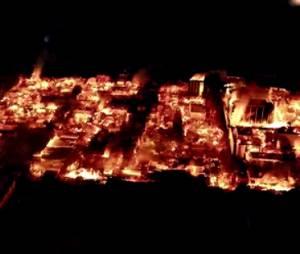 """Comrercial de TV de """"Fear The Walking Dead"""" mostra Los Angeles em chamas"""