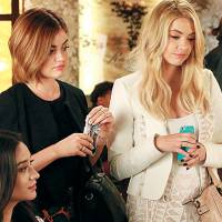 "Em ""Pretty Little Liars"": na 6ª temporada, novos looks e nova vida para as protagonistas no futuro!"
