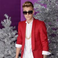 """Tapete roxo! Justin Bieber lança o documentário """"Believe"""" em Los Angeles"""