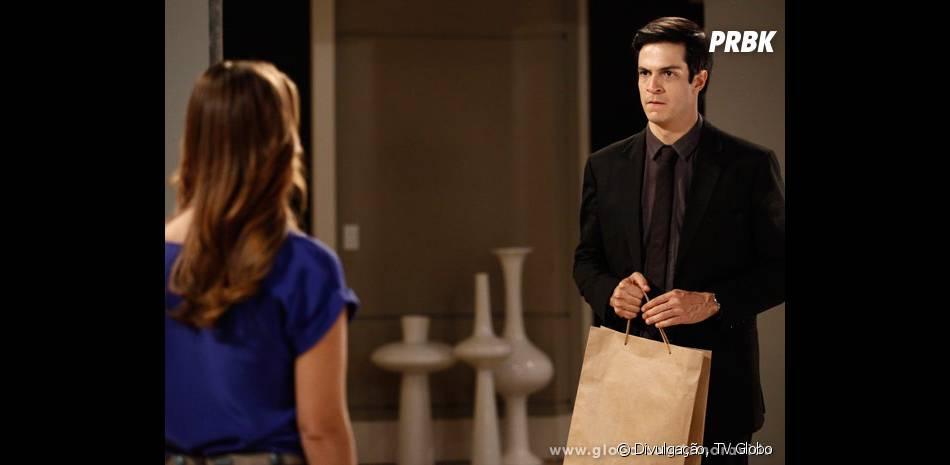 """Em """"Amor à Vida"""", Félix (Mateus Solano) vai atrás de Paloma (Paolla Oliveira) para contar tudo que já fez contra ela"""