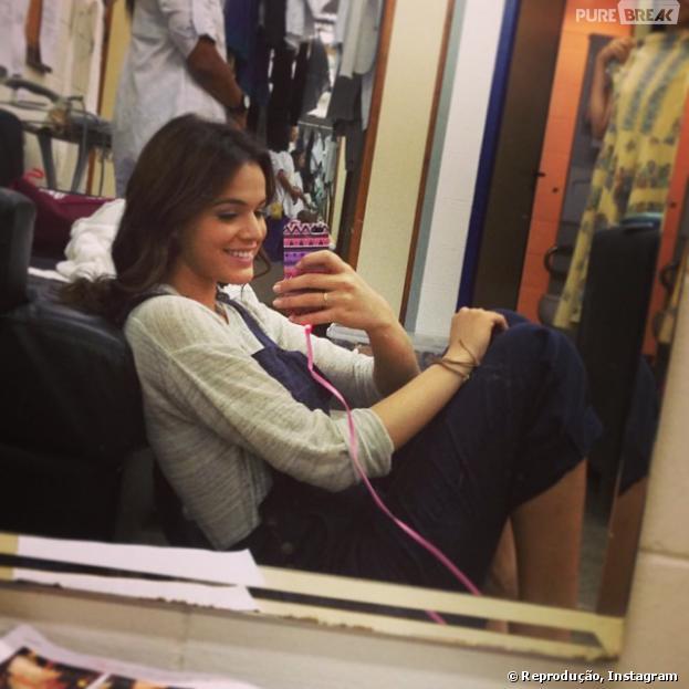 Top 5: confira os 5 selfies que mostram as personalidades de Bruna Marquezine. Nesta foto a atriz mostra que é trabalhadora e não foge a luta!