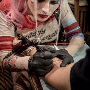 """De """"Esquadrão Suicida"""": elenco faz tatuagem igual e marca na pele amor pelo projeto. Confira!"""