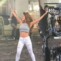 """Anahí esbanja sensualidade na prévia do clipe de """"Rumba"""". Vem ver!"""