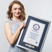 """Série """"Game of Thrones"""" entra para o Guinness Book e Maisie Williams, a Arya, recebe o prêmio!"""