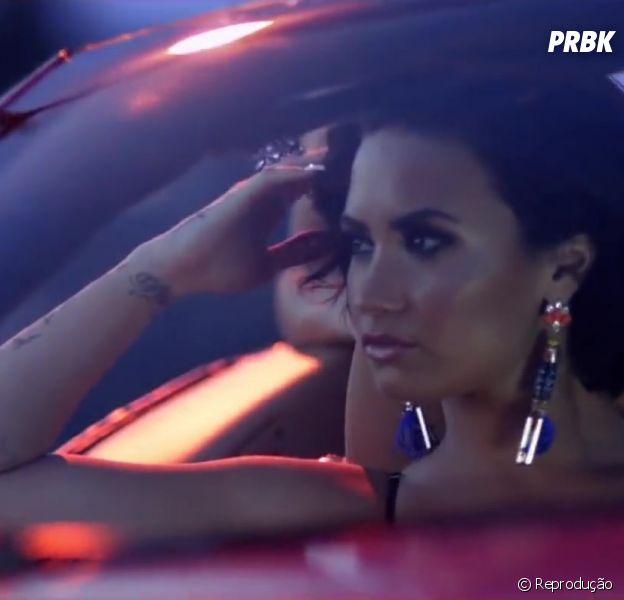"""Demi Lovato, intérprete de """"Cool For The Summer"""", posta foto sem maquiagem e com cachorrinho: """"Eu"""