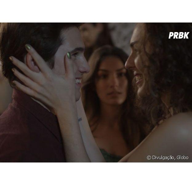 """Em """"Malhação"""": Rodrigo (Nicolas Prattes) vai ficar indeciso entre Luciana (Marina Moschen) e Ciça (Julia Konrad)!"""