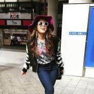 Anitta no Japão? Cantora faz compras e agita o público no 2º episódio de sua websérie no país!