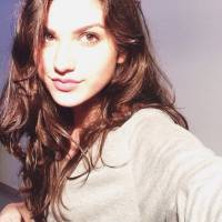 """Giovanna Grigio faz selfie no Instagram e recebe carinho dos fãs: """"Essa menina vai longe"""""""