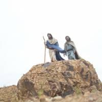 """Novela """"Os Dez Mandamentos"""": Moisés (Guilherme Winter) e Arão invocam a sétima praga!"""