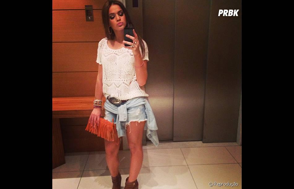 Bruna Marquezine, além de linda, posta fotos de looks, viagens, festas e, é claro, com o namorado Neymar