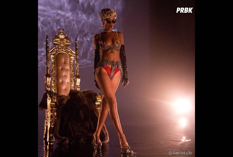 Causando sempre no Instagram, Rihanna posta TU-DO no app. Viagens paradisíacas, looks estravagantes, fotos engraçadas e muita, mas muita polêmica!