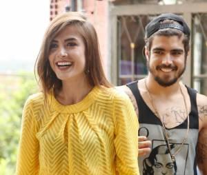 """Em """"I Love Paraisópolis"""": Margot (Maria Casadevall) fica feliz com surpresa de Grego (Caio Castro)"""