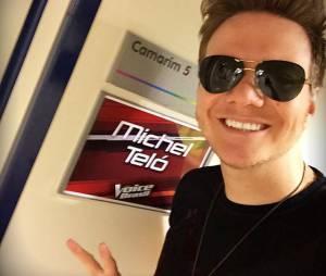 """Michel Teló aparece posando no camarim do """"The Voice Brasil"""" em seuInstagram"""