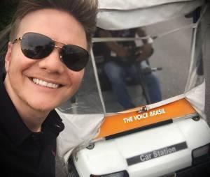 """Treinador do """"The Voice Brasil"""",Michel Teló também compartilha fotos dos bastidores do programa"""