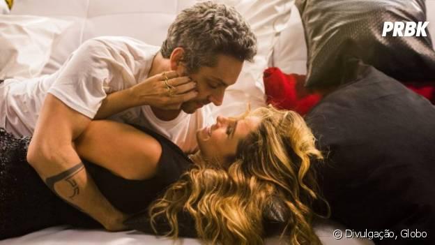 """Novela """"A Regra do Jogo"""": Atena (Giovanna Antonelli) e Romero (Alexandre Nero) transam no aniversário do ex-vereador"""