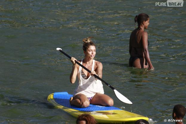 Veja os famosos que praticam o stand up paddle