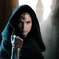 """De """"Mulher-Maravilha"""": Gal Gadot aparece incrível em primeira foto do filme. Veja!"""