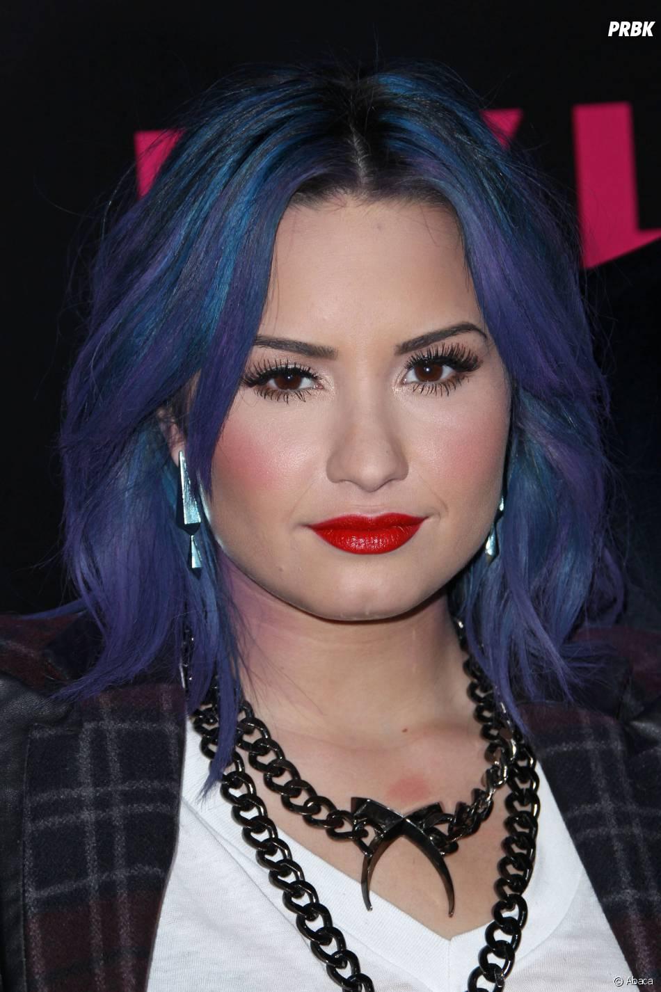 """Demi Lovato se despede do Brasil com o último show da turnê """"Neon Lights Tour"""" no país no dia 3 de maio em Porto Alegre. Ela assará também por São Paulo, Rio, Brasília e Belo Horizonte"""