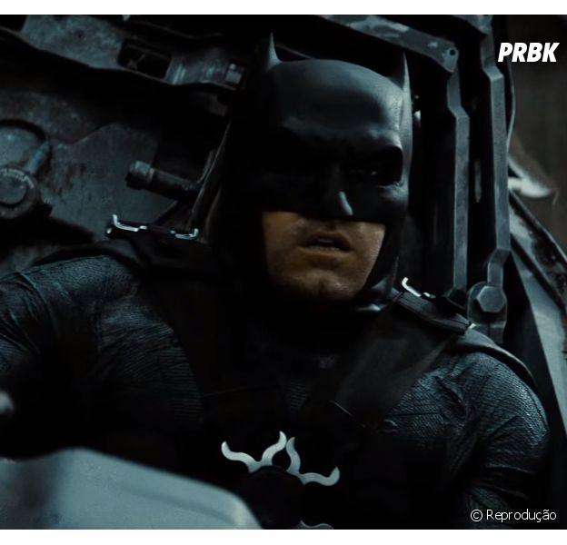 """Bruce Wayne assustado? Olha a cara do herói ao ver Apocalypse no último trailer de """"Batman Vs Superman - A Origem da Justiça""""!"""