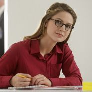 "Em ""Supergirl"": na 1ª temporada, Kara (Melissa Benoist) salva senadora sequestrada por alienígena"