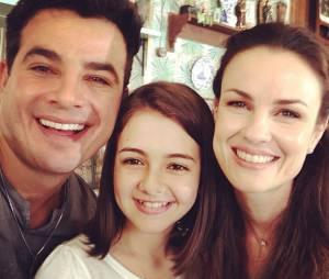 """Anderson Di Rizzi postou uma foto ao lado de Klara Castanho e Carolina Casting durante os bastidores de """"Amor à Vida"""""""