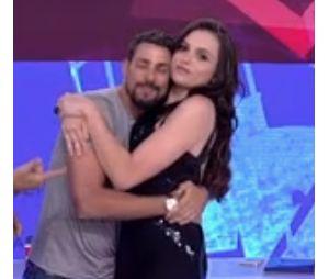 Cauã Reymond e Monica Iozzi parecem ser superamigos