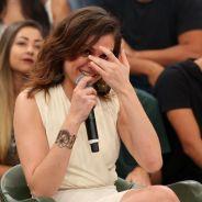 """Monica Iozzi, ex """"Vídeo Show"""", chora no palco do """"Altas Horas"""" ao relembrar momentos do programa!"""