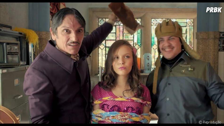 "Filme ""Carrossel - O Filme 2"": vilões Gonzales (Paulo Miklos) e Gonzalito (Oscar Filho) sequestram Maria Joaquina (Larissa Manoela)"
