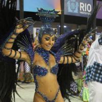 Sabrina Sato completa 33 anos! Relembre as fantasias de Carnaval da japa!