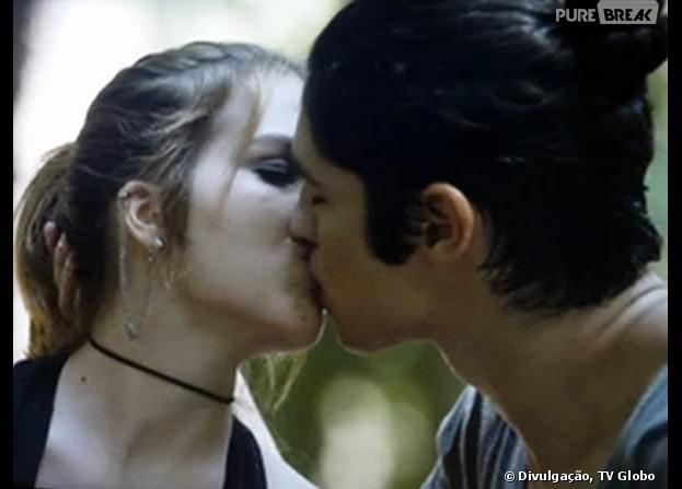 """Anita (Bianca Salgueiro) beijará Antônio (Gabriel Leone) em """"Malhação"""""""