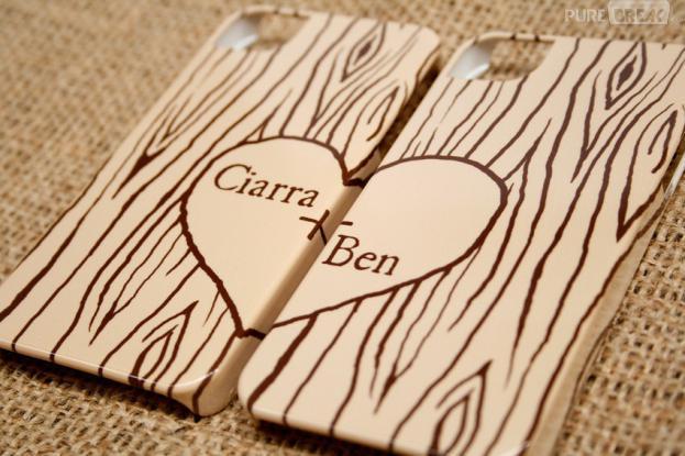 Capa para smartphone Two Hearts in Woodgrain