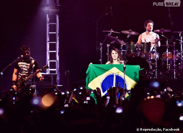 Dulce Maria volta ao Brasil em março de 2014