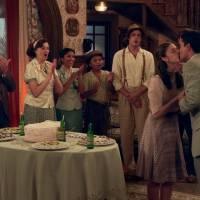 """Novela """"Êta Mundo Bom!"""": Gerusa (Giovanna Grigio) fica noiva de Osório (Arthur Aguiar) e desmaia!"""