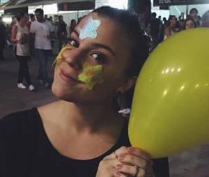 Alice Wegmann foi uma das famosas no show do Coldplay no Rio de Janeiro
