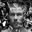 """Nick Jonas recentemente revelou a capa do """"Last Year Was Complicated"""", seu novo CD"""