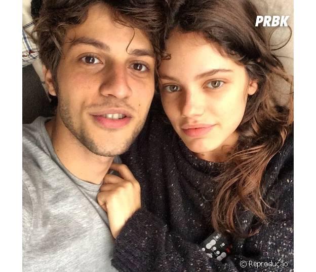 Chay Suede e Laura Neiva terminam o namoro após um ano e sete meses