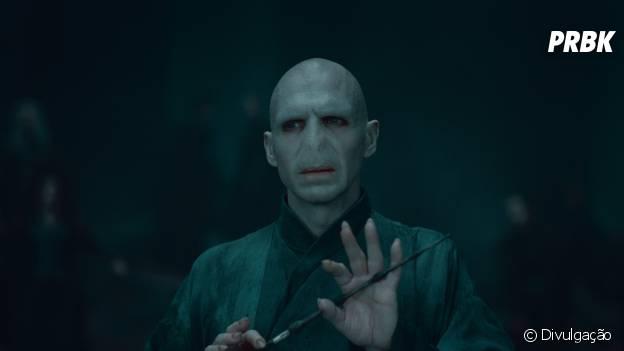 """Voldemort (Ralph Fiennes) é o vilão de """"Harry Potter"""""""