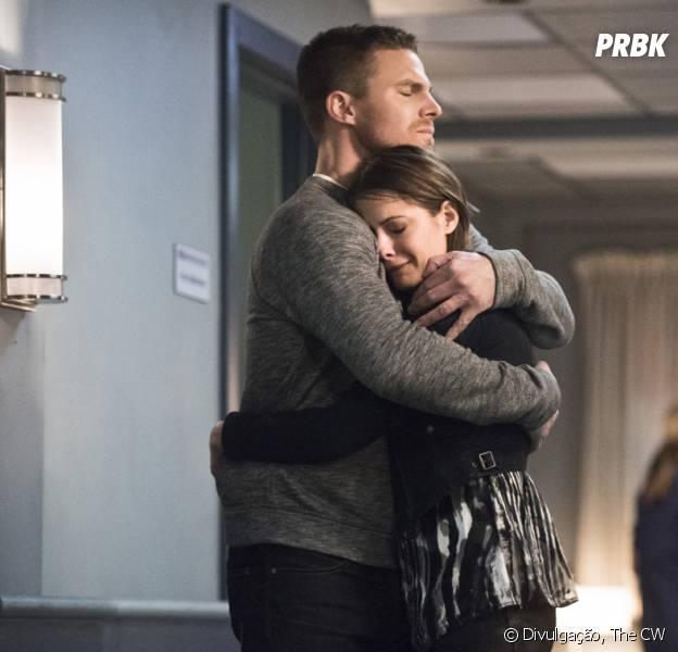 """Em """"Arrow"""", todos estão muito tristes com a morte deLaurel (Katie Cassidy)"""