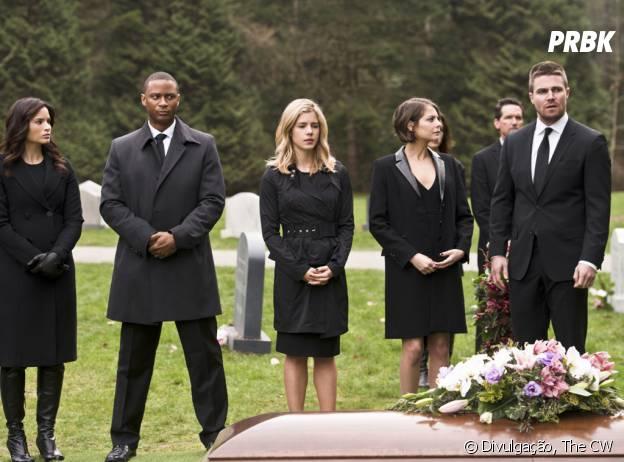 "Em ""Arrow"", equipe jura vingança no funeral deLaurel (Katie Cassidy)"