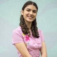 """Giovanna Grigio, de """"Êta Mundo Bom"""", revela que rasparia o cabelo para retratar doença de Gerusa!"""