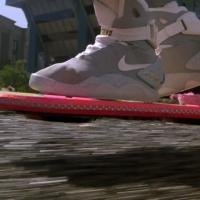 """Fake? Empresa cria skate voador do filme """"De Volta para o Futuro II"""""""