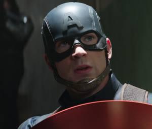 """De """"Capitão América 3: Guerra Civil"""", Chris Evans fala no Twitter sobre polêmica envolvendo seu personagem nos quadrinhos!"""