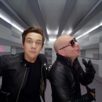 """Austin Mahone lança com Pitbull o clipe de """"MMM Yeah!"""