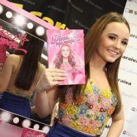 "Larissa Manoela está confirmada na novela substituta de ""Carinha de Anjo"": ""Surpresa!"""