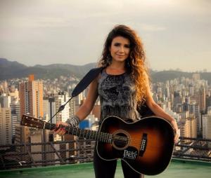 """Paula Fernandes recusa convite da Band para ser jurada do """"The X Factor Brasil"""""""