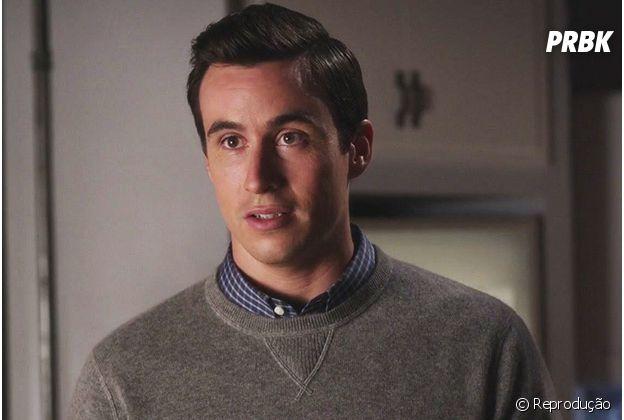 """Em """"Pretty Little Liars"""": Elliott foi atropelado por Hanna e morreu!"""