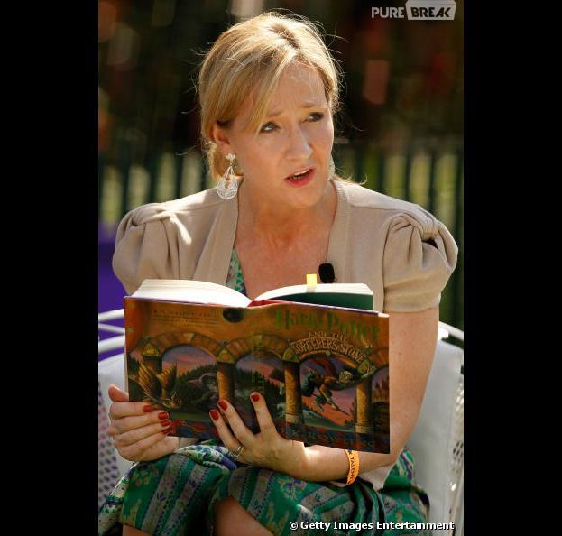 J. K. Rowling está escrevendo uma nova trilogia para o estúdio Warner Brothers