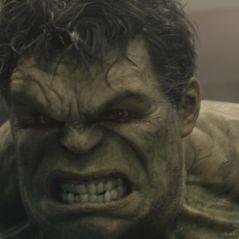 """Mark Ruffalo publica vídeo no Twitter com as mãos do Hulk no set de """"Thor: Ragnarok"""""""
