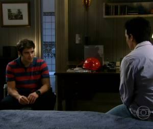 Xande (Felipe Lima) maltratou Filipinho (Josafá Filho) até descobrir seu verdadeiro sentimento por ele